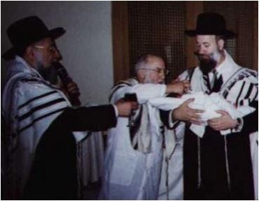 בברית עם הרבנים הראשיים לישראל ולתל אביב,הרב לאו והרב מצגר